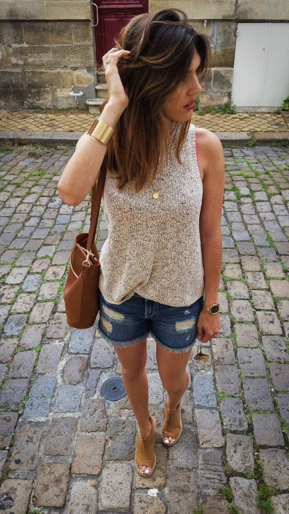 Top maille H&M et short denim Camaïeu