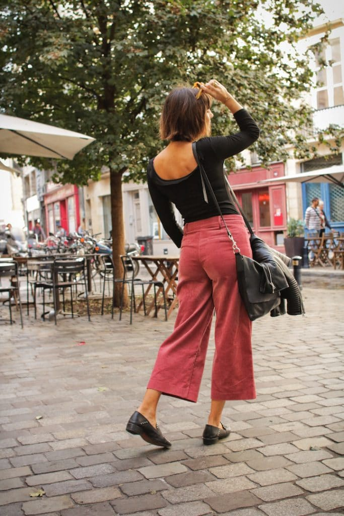 En pantalon velours zara taille haute