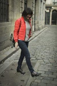 Blouson rouge et jean Uniqlo