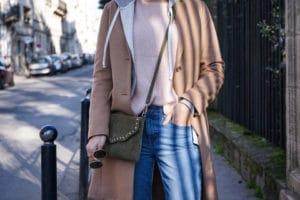 Blogueuse mode bordeaux - Maille et denim
