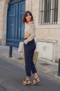 Pantalon taille haute et pull crop top