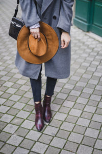 chapeau manteau