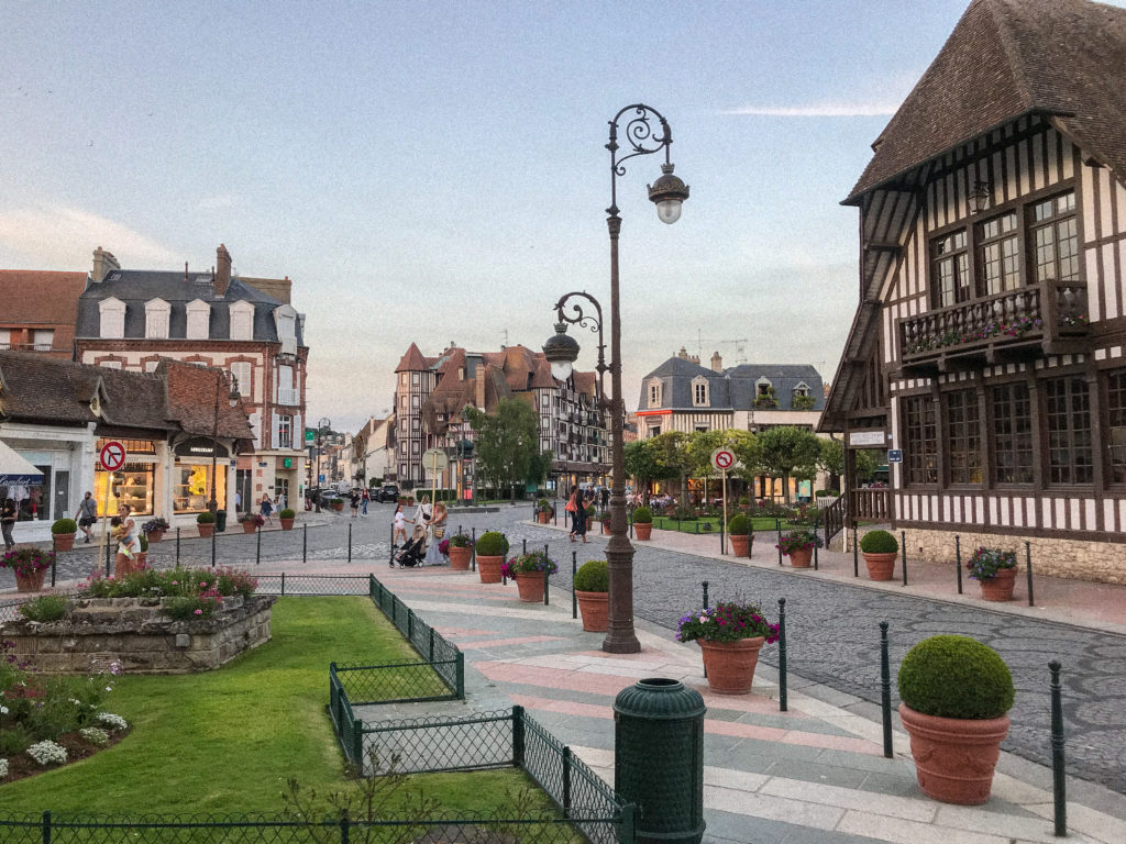 Deauville rues mairie